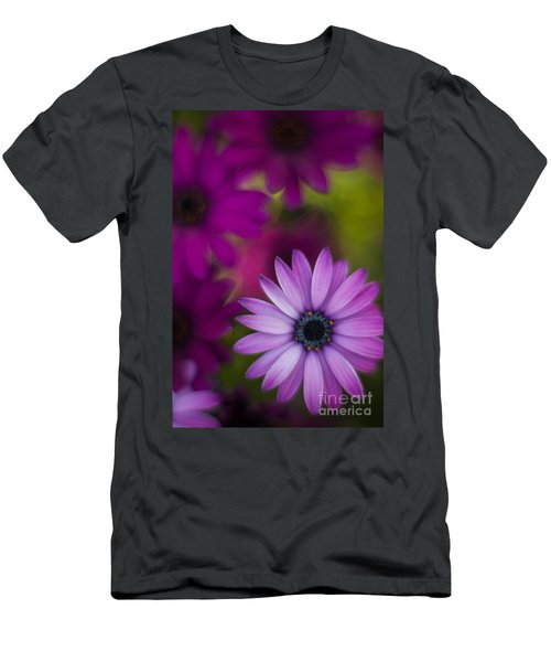 African Gerbera Standout Men's T-Shirt (Athletic Fit)