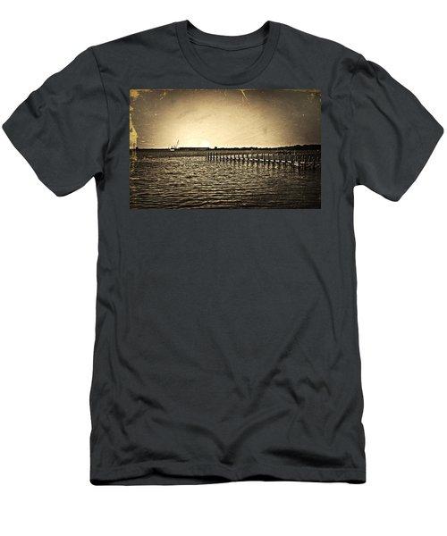 Antique Photo Of Pier  Men's T-Shirt (Athletic Fit)