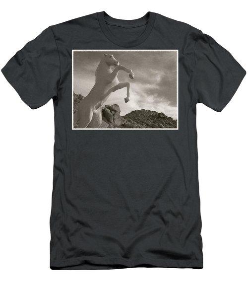 Apple Valley  California...trigger Men's T-Shirt (Athletic Fit)