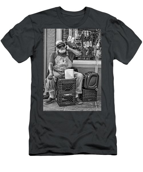 At His Office - Grandpa Elliott Small Bw Men's T-Shirt (Athletic Fit)