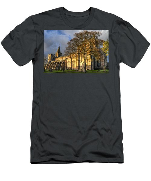 Autumn At Dunfermline Abbey Men's T-Shirt (Athletic Fit)