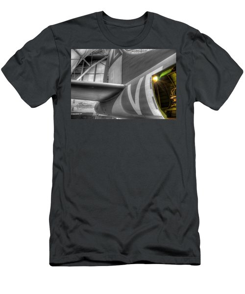 B-17 Bomber Tail Men's T-Shirt (Athletic Fit)
