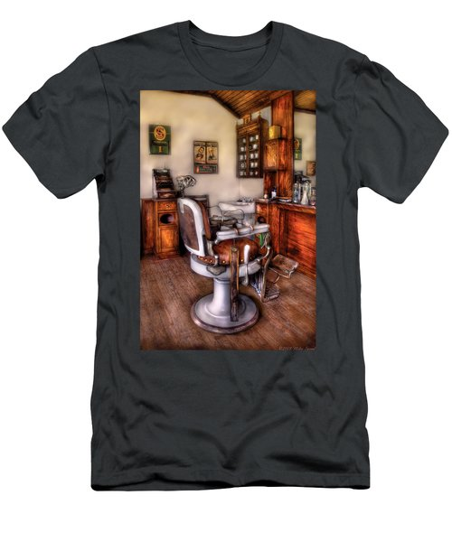 Barber - The Barber Chair Men's T-Shirt (Athletic Fit)