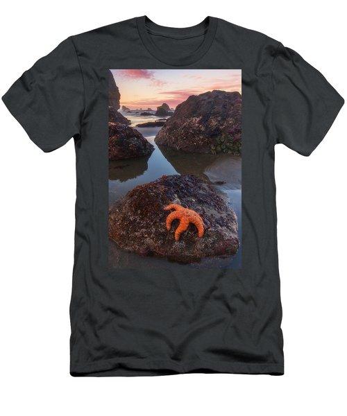 Battle Rock Sunrise Men's T-Shirt (Athletic Fit)
