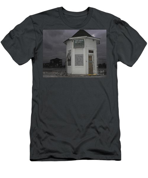 Bay City American Hoist Guard House Men's T-Shirt (Athletic Fit)