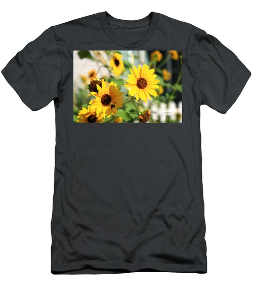 Bees Life Men's T-Shirt (Athletic Fit)