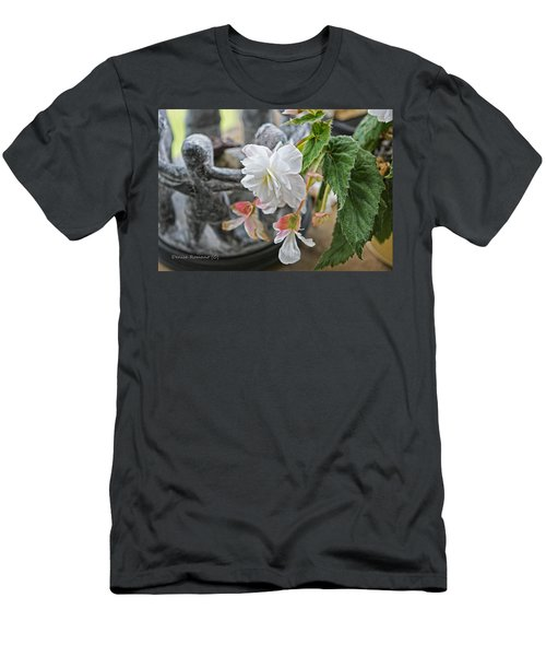 Begonia Men's T-Shirt (Slim Fit)