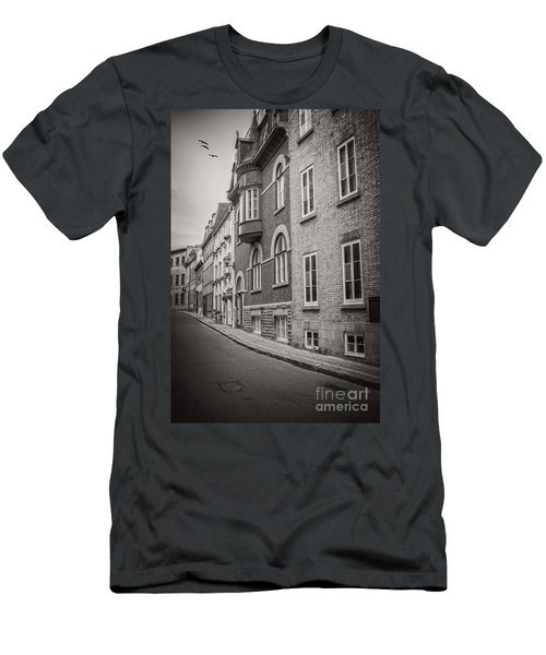 Black And White Old Style Photo Of Old Quebec City Men's T-Shirt (Athletic Fit)