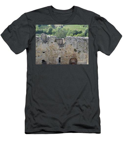 Bordeaux Castle Ruins With Vineyard Men's T-Shirt (Athletic Fit)