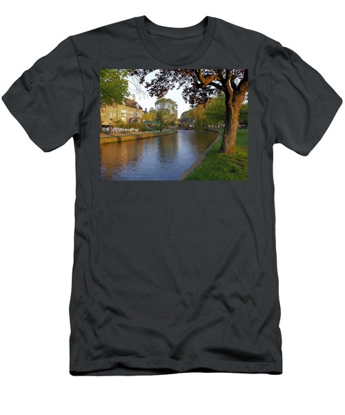 Bourton On The Water 3 Men's T-Shirt (Athletic Fit)