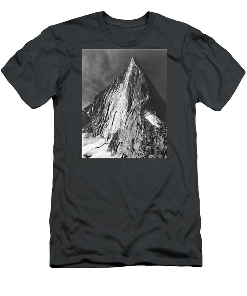 102756-bugaboo Spire Men's T-Shirt (Athletic Fit)