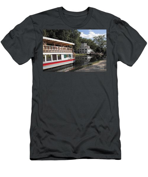 Canal Boat On The C And O Canal At Great Falls Tavern Men's T-Shirt (Athletic Fit)