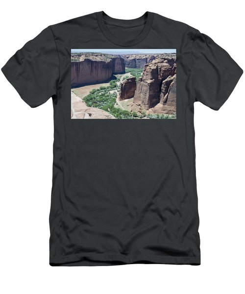 Canyon De Chelly View Men's T-Shirt (Athletic Fit)