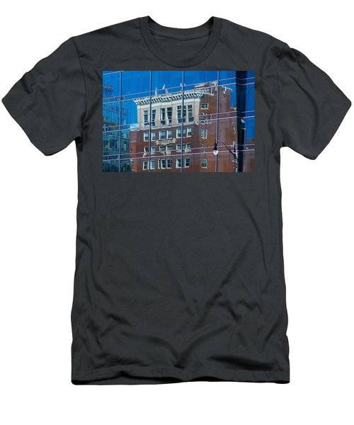Carpenters Building Men's T-Shirt (Athletic Fit)