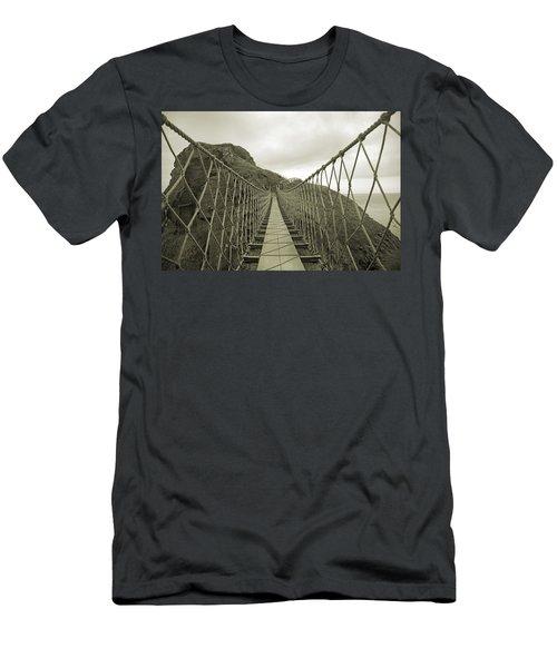 Carrick-a-rede Rope Bridge Men's T-Shirt (Athletic Fit)