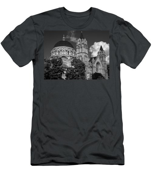 Cathedral Basilica Of St. Louis Men's T-Shirt (Athletic Fit)