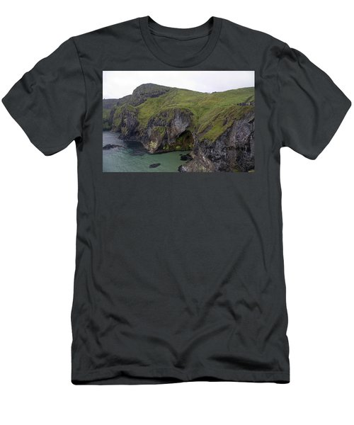 Cavern Carrick-a-rede Ireland Men's T-Shirt (Athletic Fit)