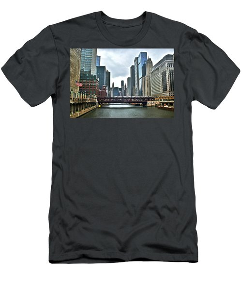 Chicago River And City Men's T-Shirt (Athletic Fit)
