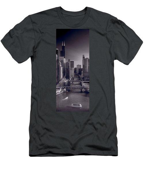 Chicago River Bridges South Bw Men's T-Shirt (Athletic Fit)