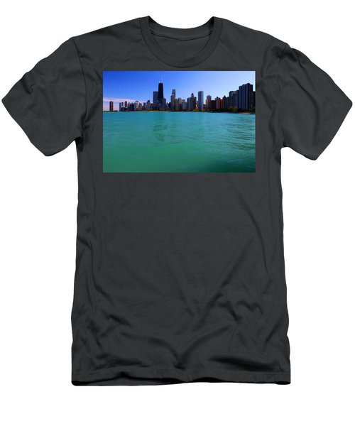 Chicago Skyline Teal Water Men's T-Shirt (Athletic Fit)
