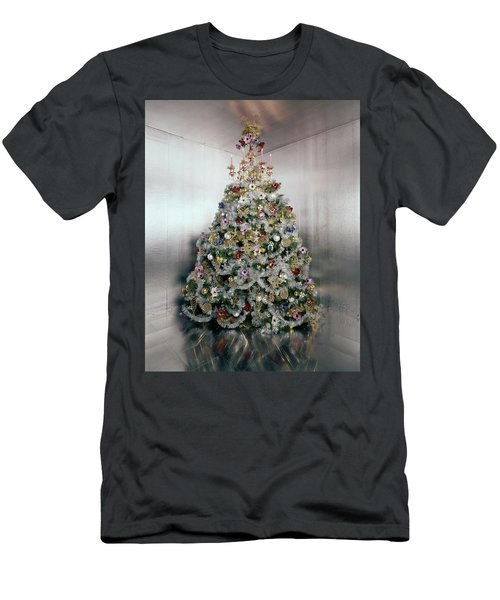Christmas Tree Decorated By Gloria Vanderbilt Men's T-Shirt (Athletic Fit)