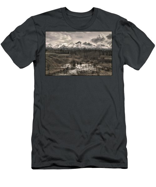 Chugach Mountain Range Men's T-Shirt (Athletic Fit)
