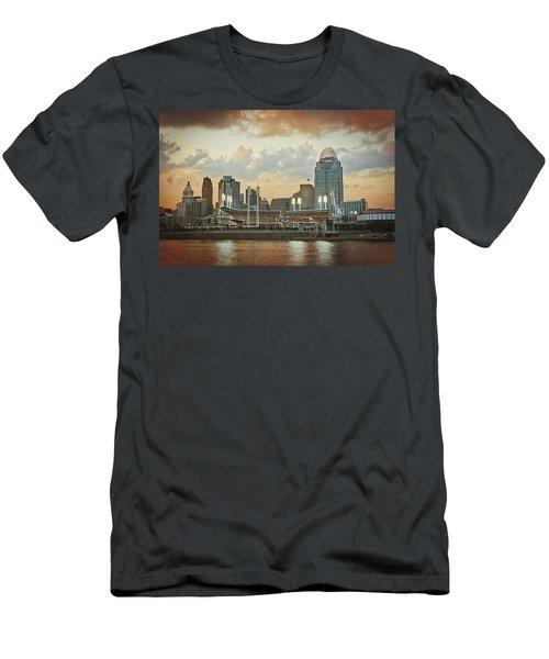 Cincinnati Ohio Vii Men's T-Shirt (Athletic Fit)