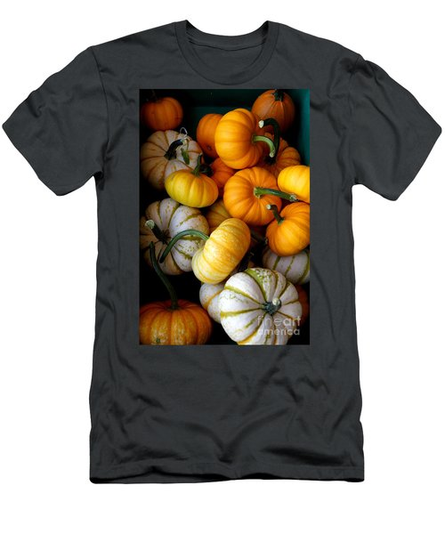 Cinderella Pumpkin Pile Men's T-Shirt (Athletic Fit)