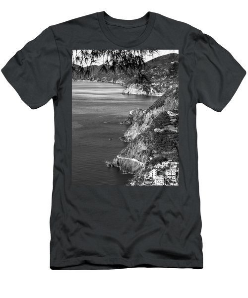 Cinque Terre Coastline Men's T-Shirt (Athletic Fit)