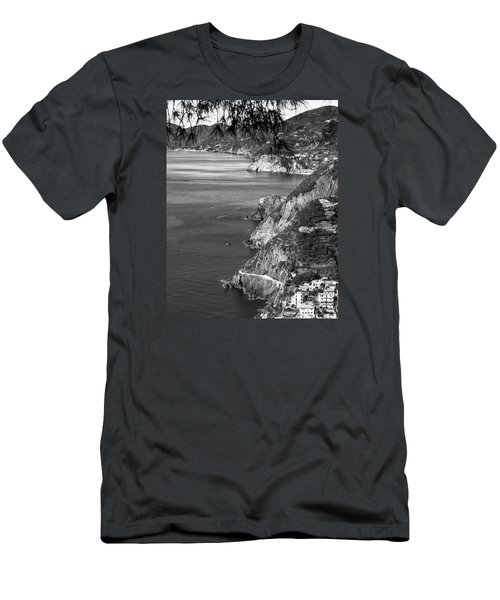 Cinque Terre Coastline Men's T-Shirt (Athletic Fit)