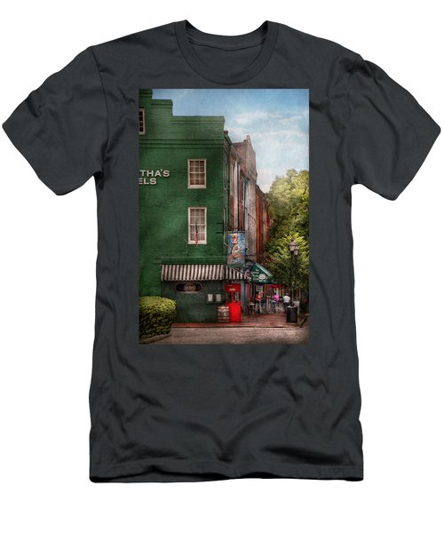 City - Baltimore - Fells Point Md - Bertha's And The Greene Turtle  Men's T-Shirt (Athletic Fit)