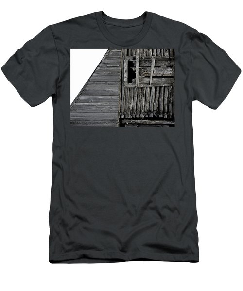 Commons Ford Barn Men's T-Shirt (Athletic Fit)