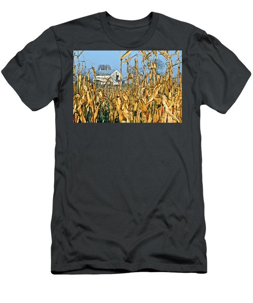 Corn Framed Barn Men's T-Shirt (Athletic Fit)