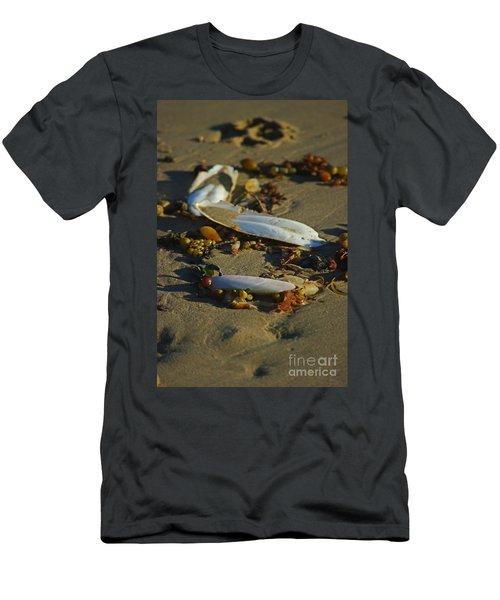 Cuttle Clutter Men's T-Shirt (Athletic Fit)