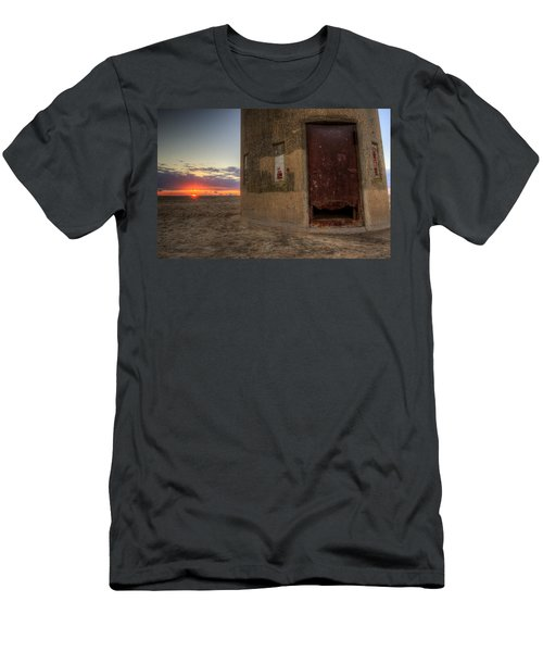 Delaware Lookout Tower Men's T-Shirt (Athletic Fit)