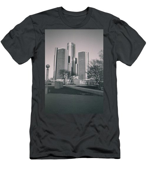 Detroit2 Men's T-Shirt (Athletic Fit)