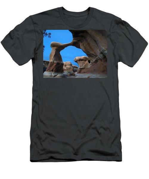Devil's Garden Metate Arch 004 Men's T-Shirt (Athletic Fit)