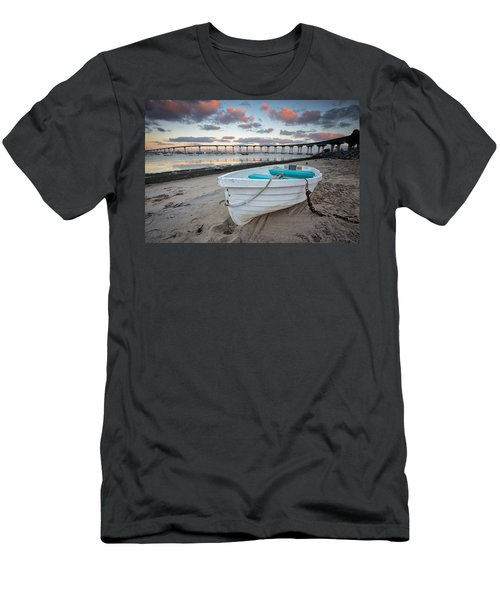 Dinghy I Men's T-Shirt (Athletic Fit)