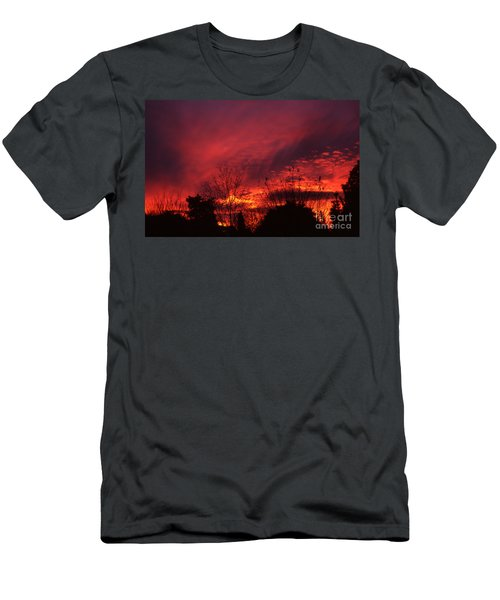 Dundee Sunset Men's T-Shirt (Athletic Fit)