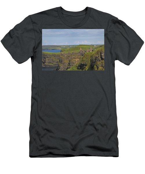 Dunluce Castle Ireland Men's T-Shirt (Athletic Fit)