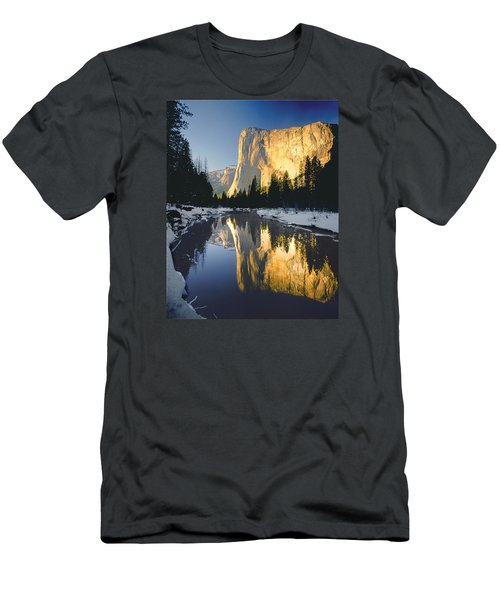 2m6542-el Cap Reflect Men's T-Shirt (Athletic Fit)