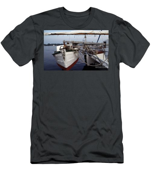 Ellsworth Push Boat Men's T-Shirt (Athletic Fit)