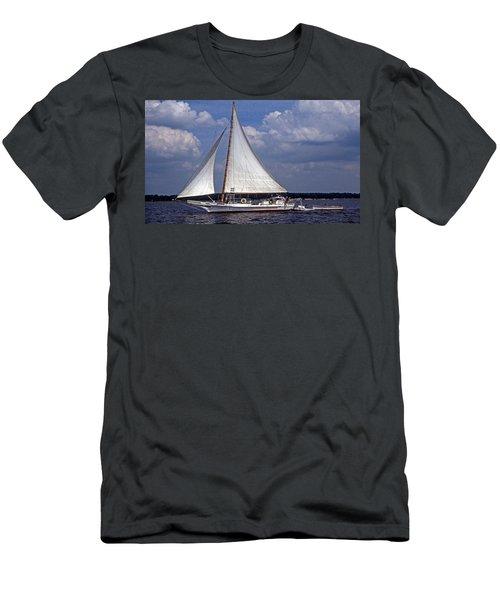Ellsworth Men's T-Shirt (Athletic Fit)