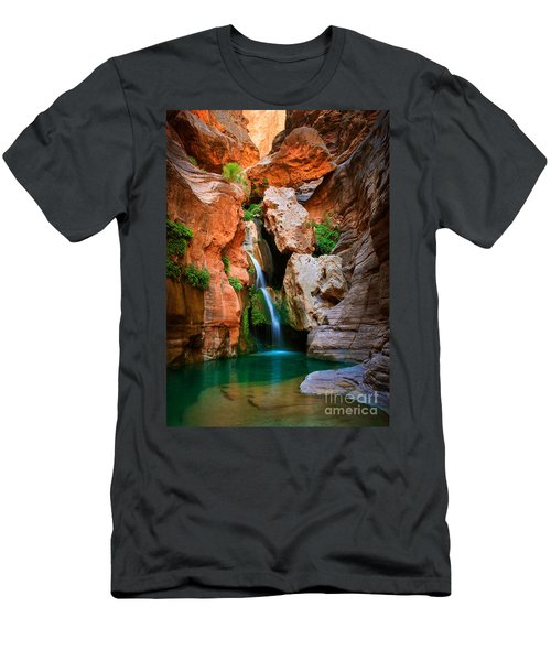 Elves Chasm Men's T-Shirt (Athletic Fit)