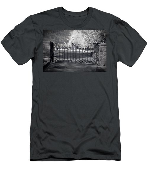 Entry To Salem Willows Men's T-Shirt (Athletic Fit)