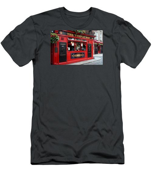 Famous Temple Bar In Dublin Men's T-Shirt (Athletic Fit)