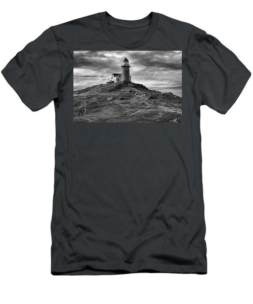 Ferryland Lighthouse Men's T-Shirt (Athletic Fit)