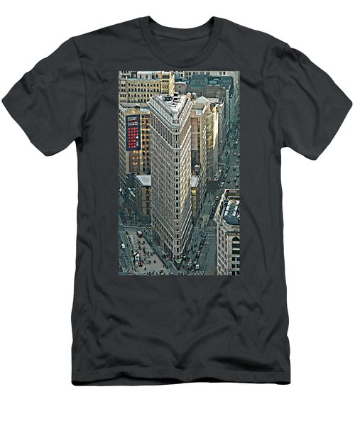 Flatiron Building Nyc 1 Men's T-Shirt (Athletic Fit)