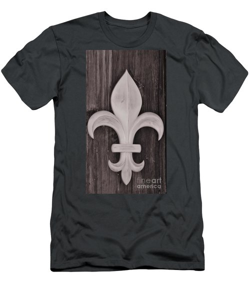 Fleur-de-lis Men's T-Shirt (Athletic Fit)