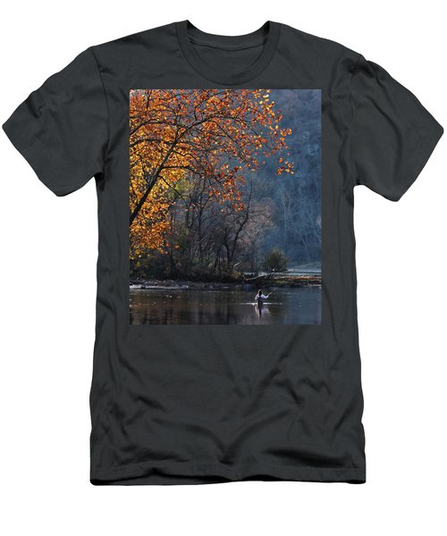 Fly Fisherwoman Men's T-Shirt (Slim Fit)